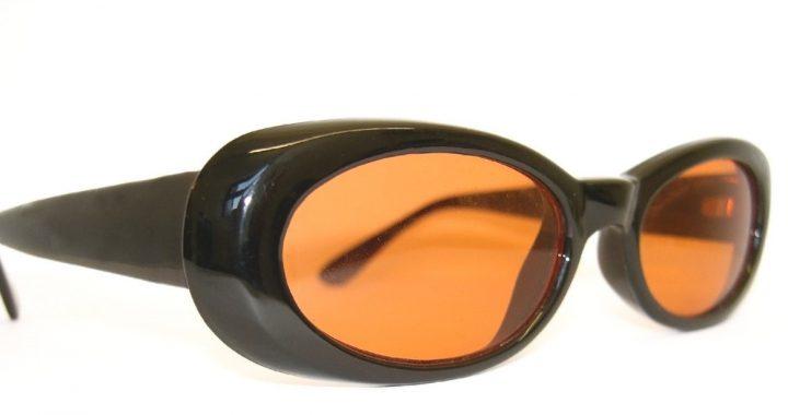 Okulary przeciwsłoneczne z polaryzacją czy bez? – czyli co jest zdrowsze dla wzroku dzieci